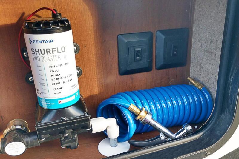 High Pressure Exterior Spray Washer