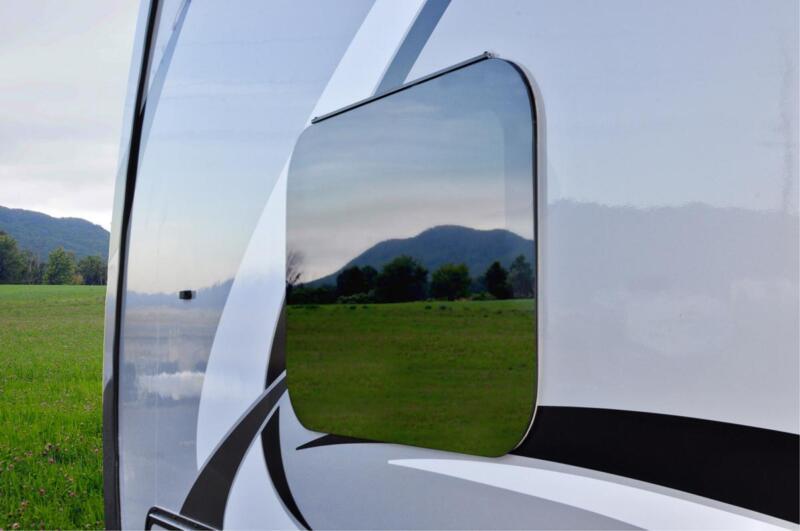 Sleek Designed Frameless Windows